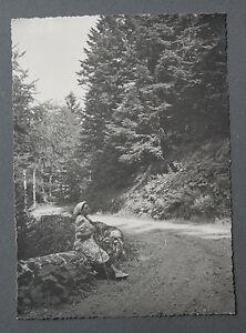 Route-Neronne-Cantal-Auvergne-Photographie-originale-annees-1950-region-France
