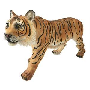 Power-And-Grace-Sumatran-Tiger-Design-Toscano-Garden-Sculpture