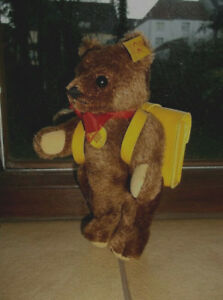 Steiff Teddy Bear Teddy Bear Avec Cartable En Jaune Ca.18cm Animal