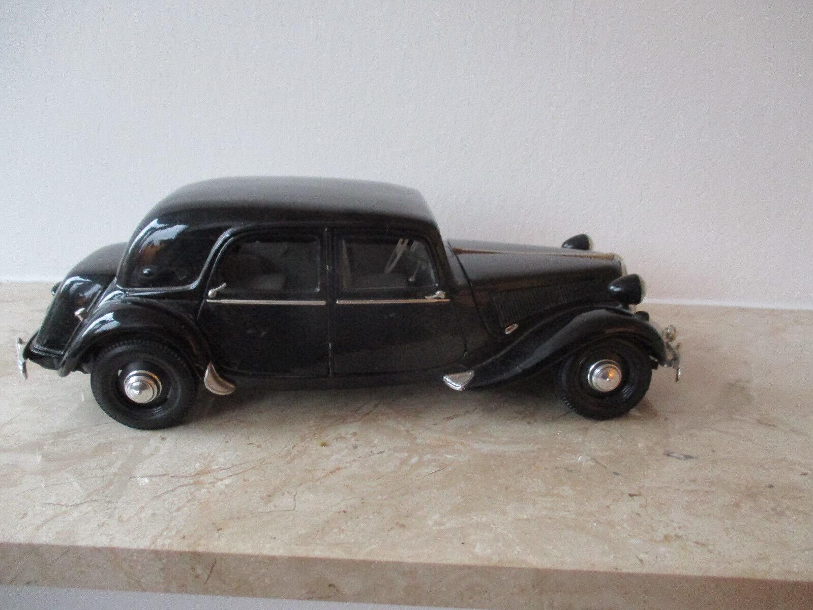 Altes Modellauto Maisto Citroen 15 CV 6 Zylinder Zylinder Zylinder 1952 Maßstab 1 18 ohne OVP  | Exquisite (mittlere) Verarbeitung  e87b48