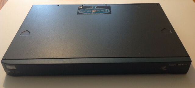 Cisco 2600 Series Modular Access Router CISCO2620XM Fast Ethernet - 1U Rackmount