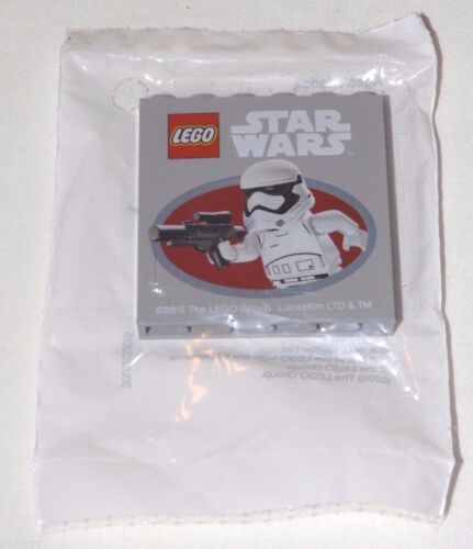 2015 LEGO Star Wars Force Awakens Friday STORMTROOPER BRICK Toys R Us Exclusive