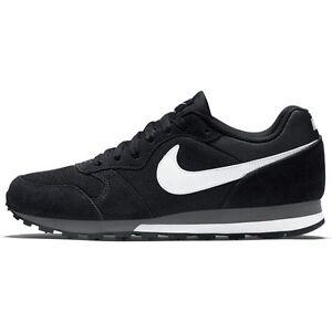 201ae66784a4ee Das Bild wird geladen Nike-MD-Runner-2-Sneaker-Turnschuhe-schwarz-749794-