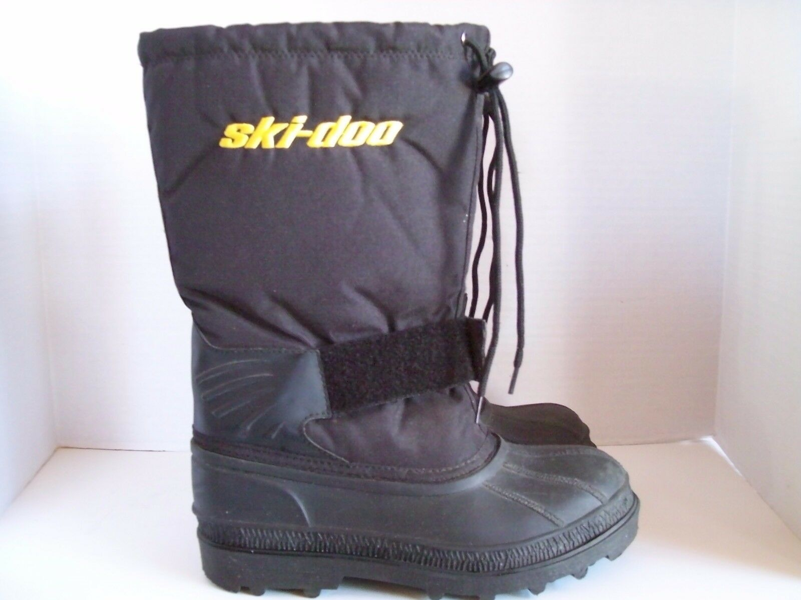 SKI-DOO SNOWMOBILE  INSULATED WOMEN'S BOOTS SIZE 5