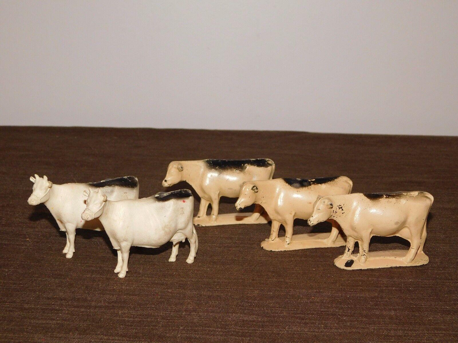 VINTAGE  FARM RANCH TOY 5 PIECE COWS