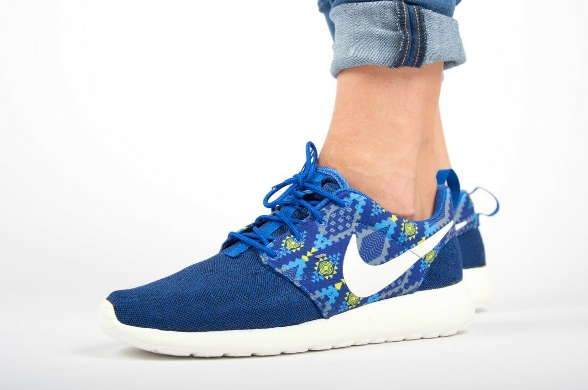 NIKE ROSHE ONE PRINT Running Trainers Shoes Casual - UK 8.5 (EUR 43) Game Royal