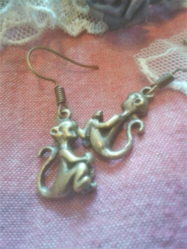 Quirky Steampunk Lucky Mono De Moda Pendientes Kitsch Retro Vintage Fun /& Funky