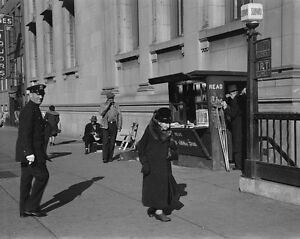 Newsstand-at-subway-entrance-on-8th-Avenue-in-New-York-City-1937-Photo-Print
