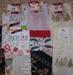 NWT Christmas Apron and tea towel Holiday Christmas set or single Party candy