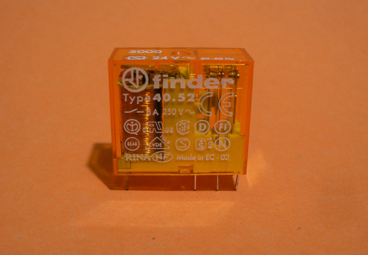 24VAC 8A//250VAC 8A//30VDC FIN electromagnetic DPDT Ucoil 46.52.8.024.0040 Relay