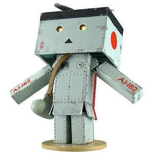 Danbo-mini-Figure-Zero-Fighter-21-Ver-Yotsuba-amp-Japan-Danboard