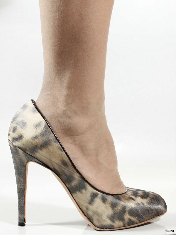 Amazing  745 BRIAN ATWOOD exotic-print platforms shoes 39 9 US 8 - very pretty