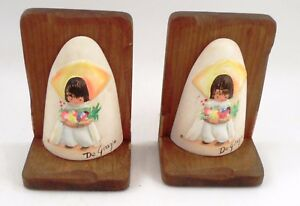 Vintage-Signed-Ted-DeGrazia-Southwest-Little-Boy-Porcelain-Bisque-Wood-Bookends