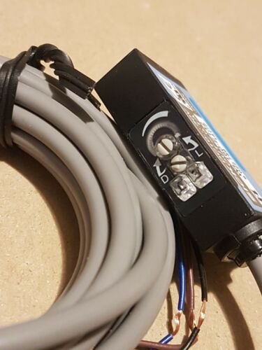 Interruptor de reflejo fotoeléctrico enfermo SENSICK WL160-E132 con Filtro de polarización