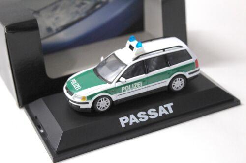 1:43 Schuco VW Passat Variant B5 POLIZEI DEALER NEW bei PREMIUM-MODELCARS