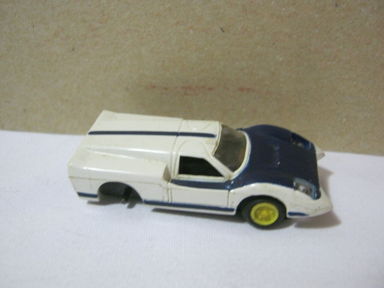Vintage Ho Scale Slot Car White & bluee Body  T