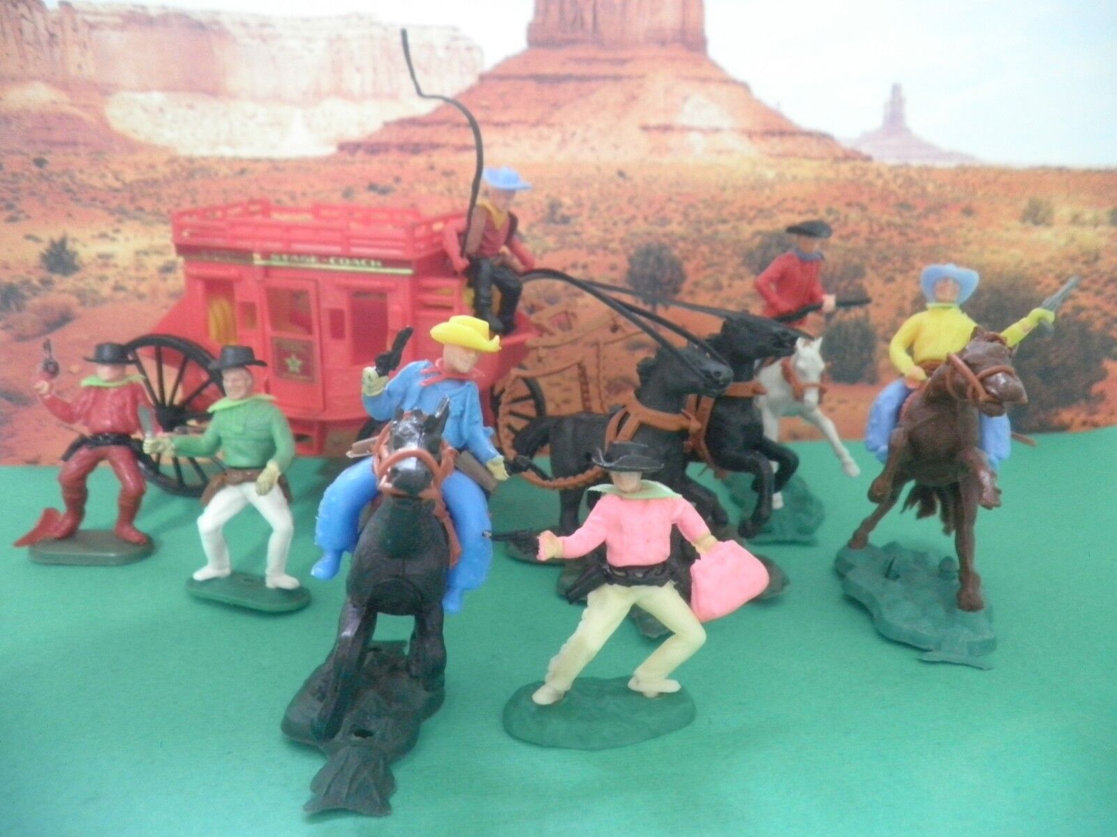 Soldatini Toy Soldiers Cowboys Diligenza Cloni Timpo Swoppets Made Hong Kong CP