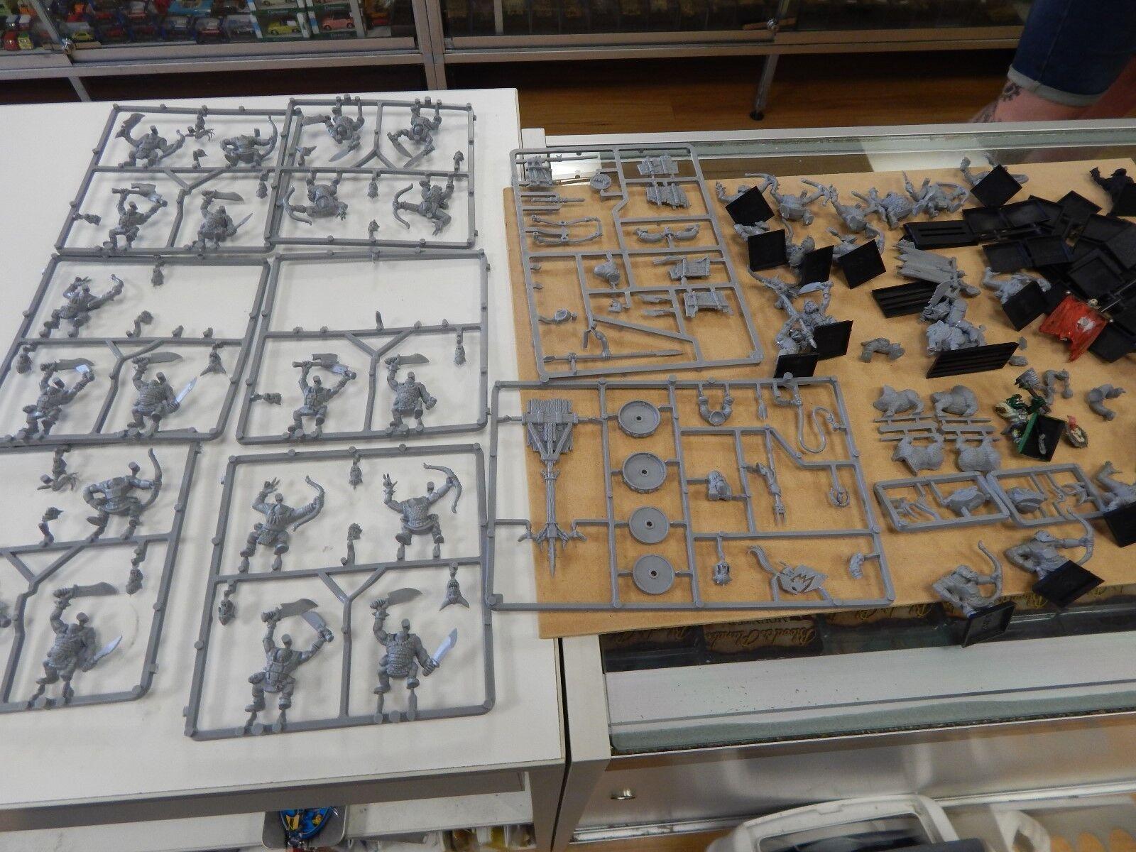 Games Workshop Warhammer Fantasy ORCS - unpainted