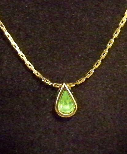 peridot jewelry necklace birthstone box august