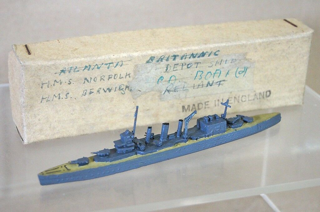 TREMO TM HMS NORFOLK 1 1200 WWII COUNTY CLASS HEAVY CRUISER MODEL SHIP m