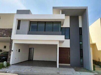 Casa en Venta con amplio jardin fracc con acceso a la playa Lomas Del Sol