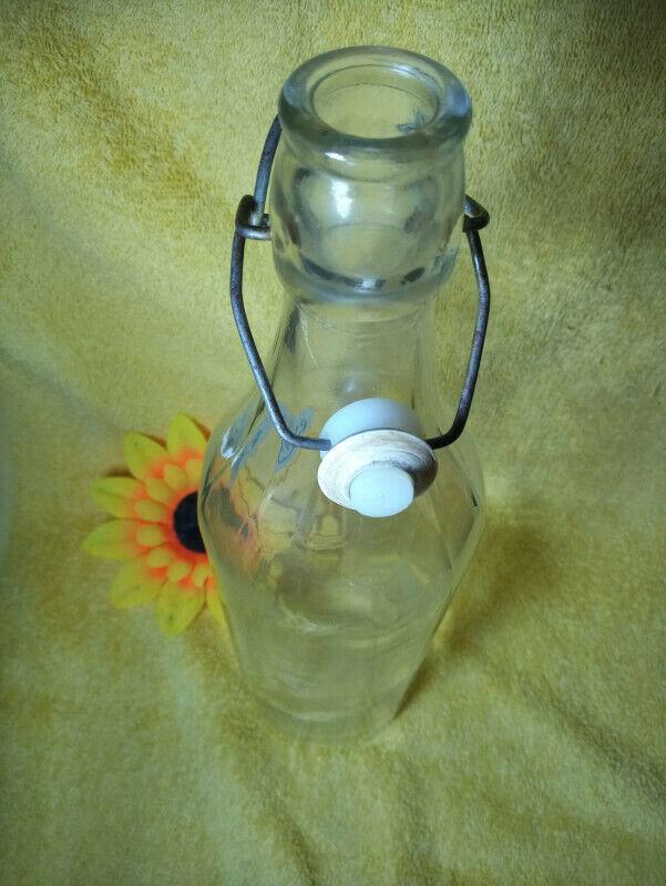 resealable bottle