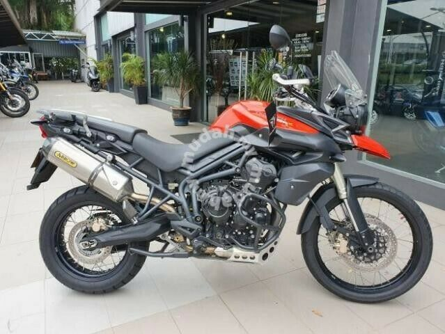 TRIUMPH TIGER 800 XC ABS STRIPPING FOR SPARES