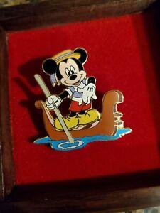 Mickey Gondola Pin 7564, Disneyland International Series 9 of 12