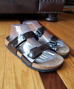 NEW-Birkenstock-BIRKI-039-S-MADURA-Patent-Leather-Chocolate-Brown-Sandals-39-L8-M6