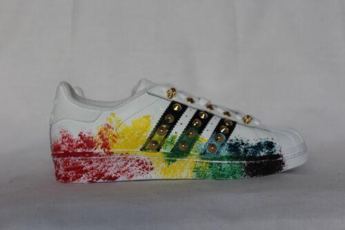 Goujons Color Et Chaussures Adidas Spray Avec Superstar zxfwqvF