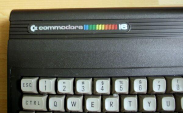 2019 Mode Retro Commodore C16 - Schöner Sammlerzustand - 100% Getestet - Full Working