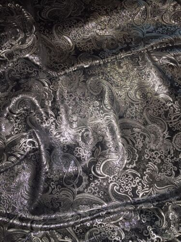 "NEW 1 MTR PAISLEY BLACK//GOLD METALLIC BROCADE JACQUARD FABRIC..58/"" WIDE £5.99"