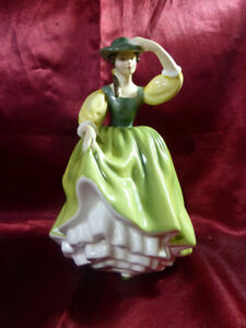 Royal-Doulton-BUTTERCUP-Ceramic-Figurine-Ornament-No-HN2309-1963-Green-dress