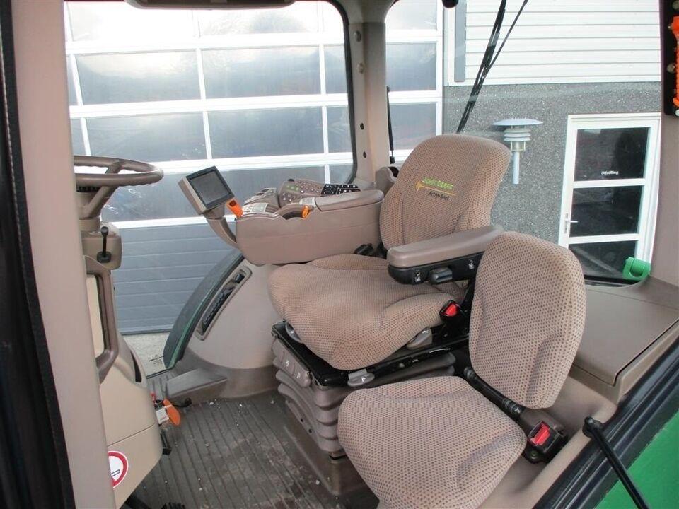 John Deere, 8335R Med frontlift, timer 8351