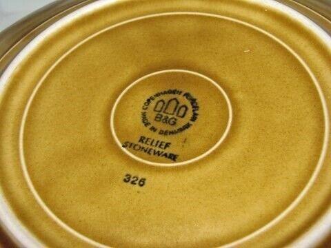 Porcelæn, Relief  Frokosttallerken 21 cm.,