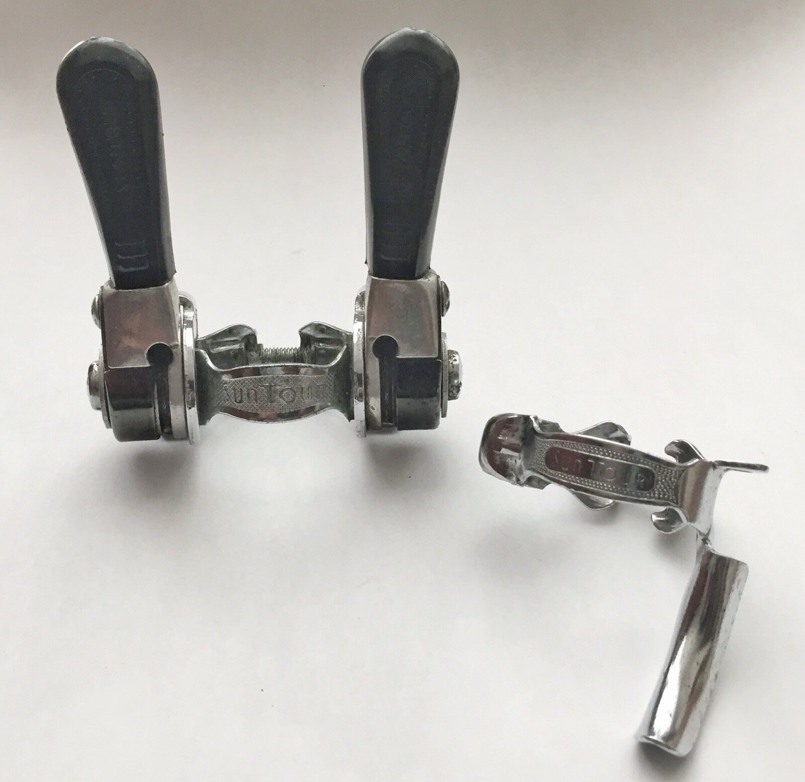 SUNTOUR LD 1500 PDL-M POWER SHIFTERS (Clamp On)  & SUNTOUR CABLE GUIDE (Clamp On)  official quality