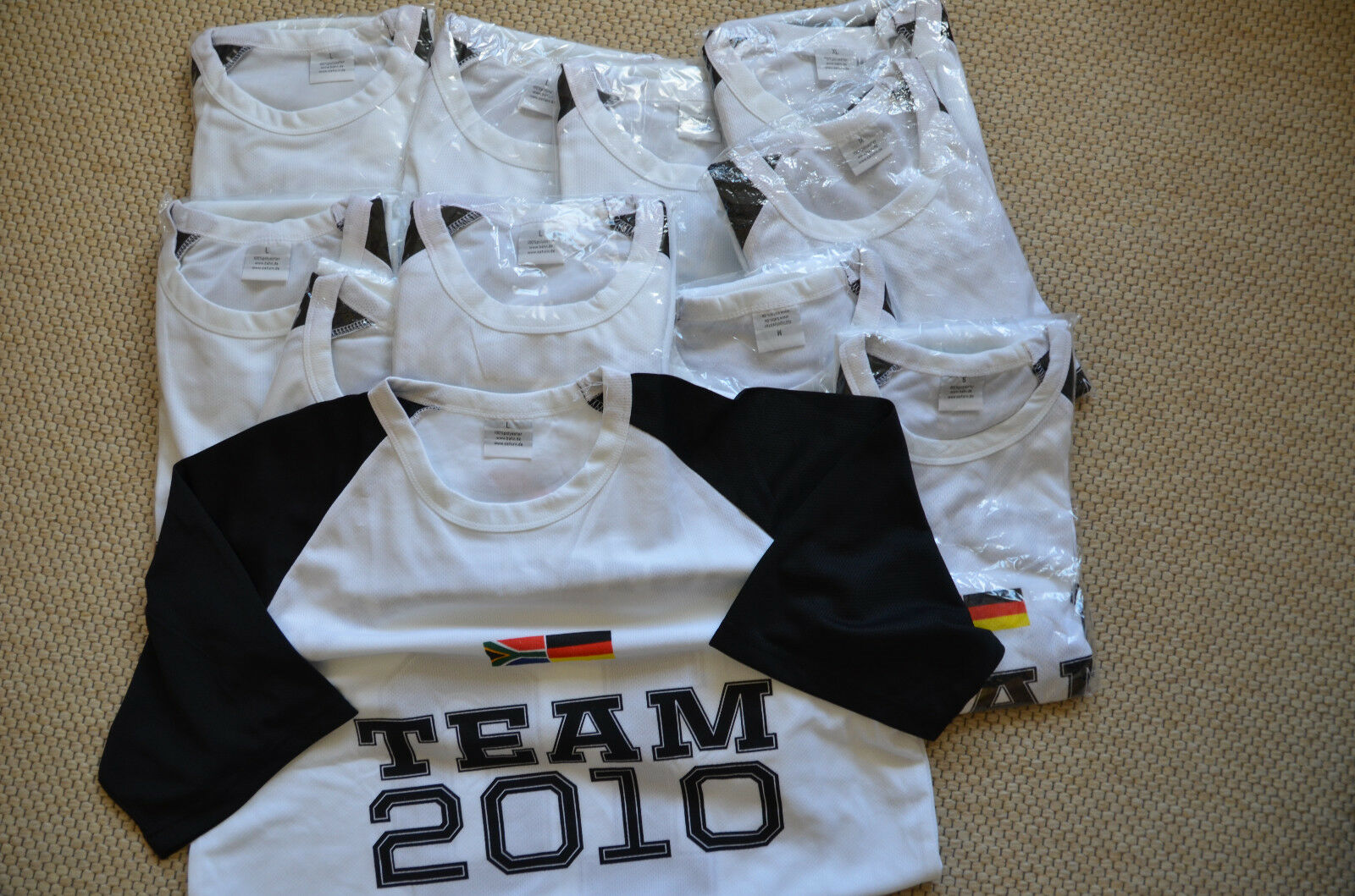 13x WM Sport-Trikot T-Shirt Deutschland Team 2010 Fussball Südafrika Gr.S M L XL
