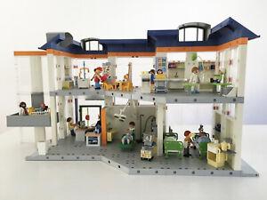 Krankenhaus-4404-2-Etagen-mit-Einrichtung-von-Playmobil