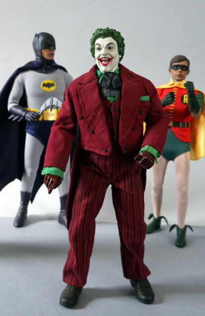 Real MEZCO Batman The Joker 1//12 Scale PVC Action Figure Collectible Model Toy