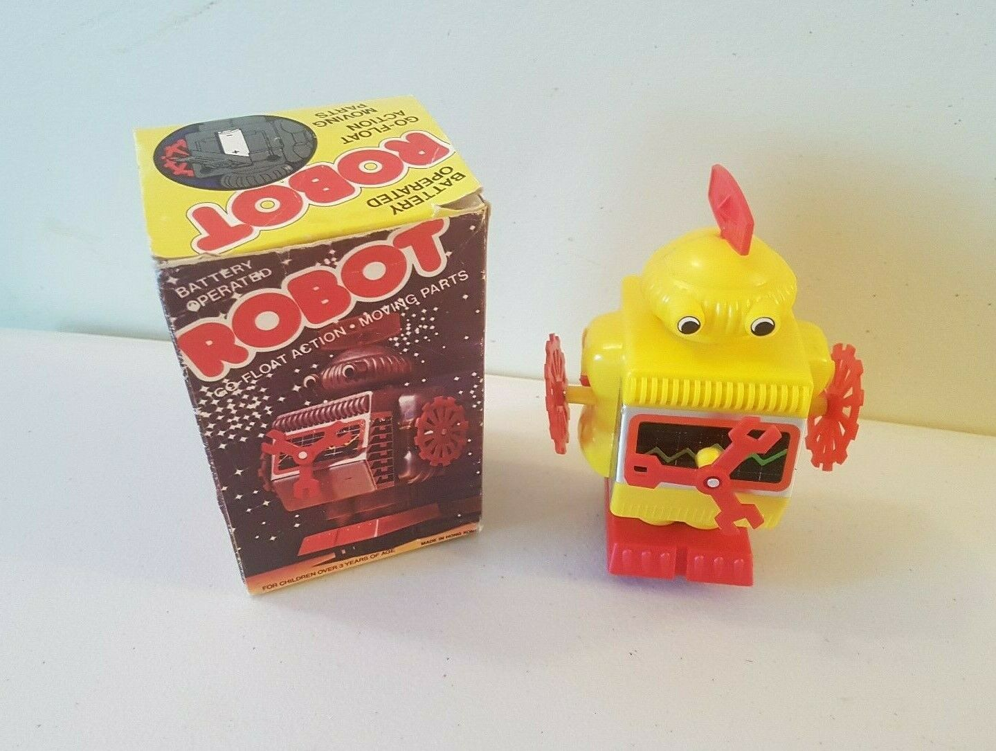 Vintage Hong Kong Plastic Robot 6 Inch Tall Battery Operated Boxed