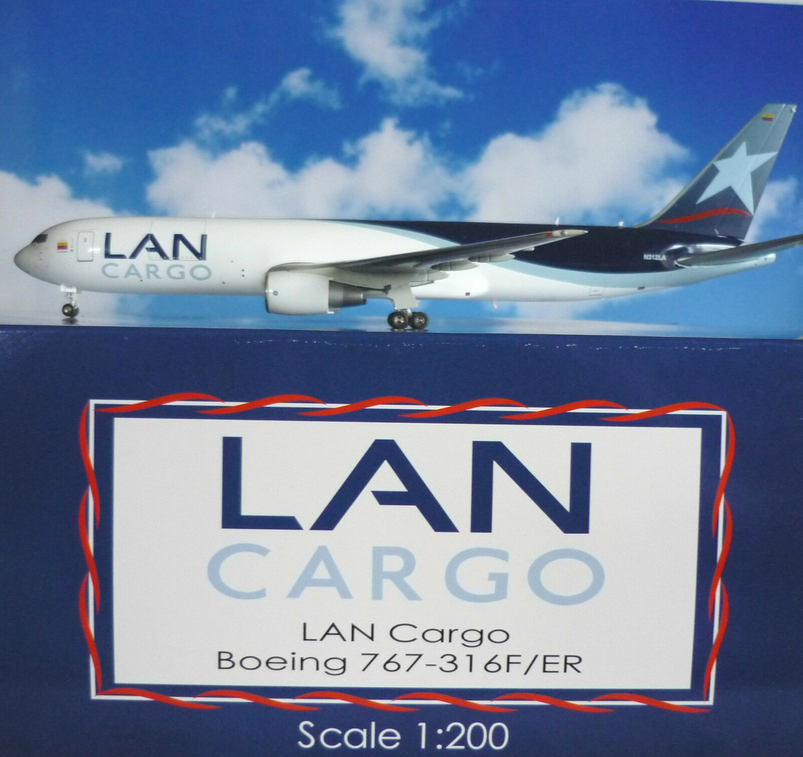 JC wings 1 200 Boeing 767-316f LAN Cargo n312la xx2810 + HERPA wings catalogue