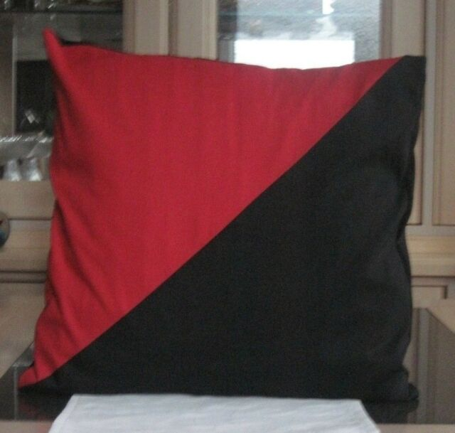 14ins x 14ins BLACK AND RED DIAGONAL DESIGN COTTON / POLY CUSHION COVER