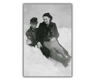 German-soldier-with-a-French-girl-Collaborator-WW2-War-Photo-Glossy-4-x-6-E