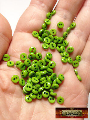 M00232 GREEN MOREZMORE 50 Tiny 5 mm 5mm Miniature Buttons Mini Doll Baby A60