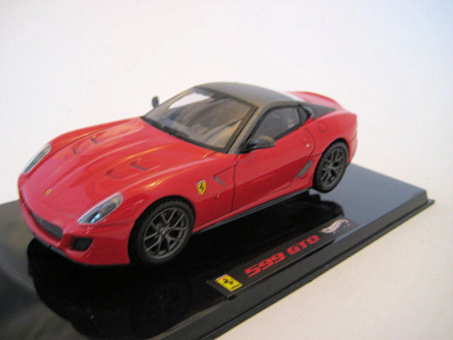 HOT WHEELS ELITE AUTO DIE-CAST 1 43 FERRARI 599 GTO ROSSA         T6267