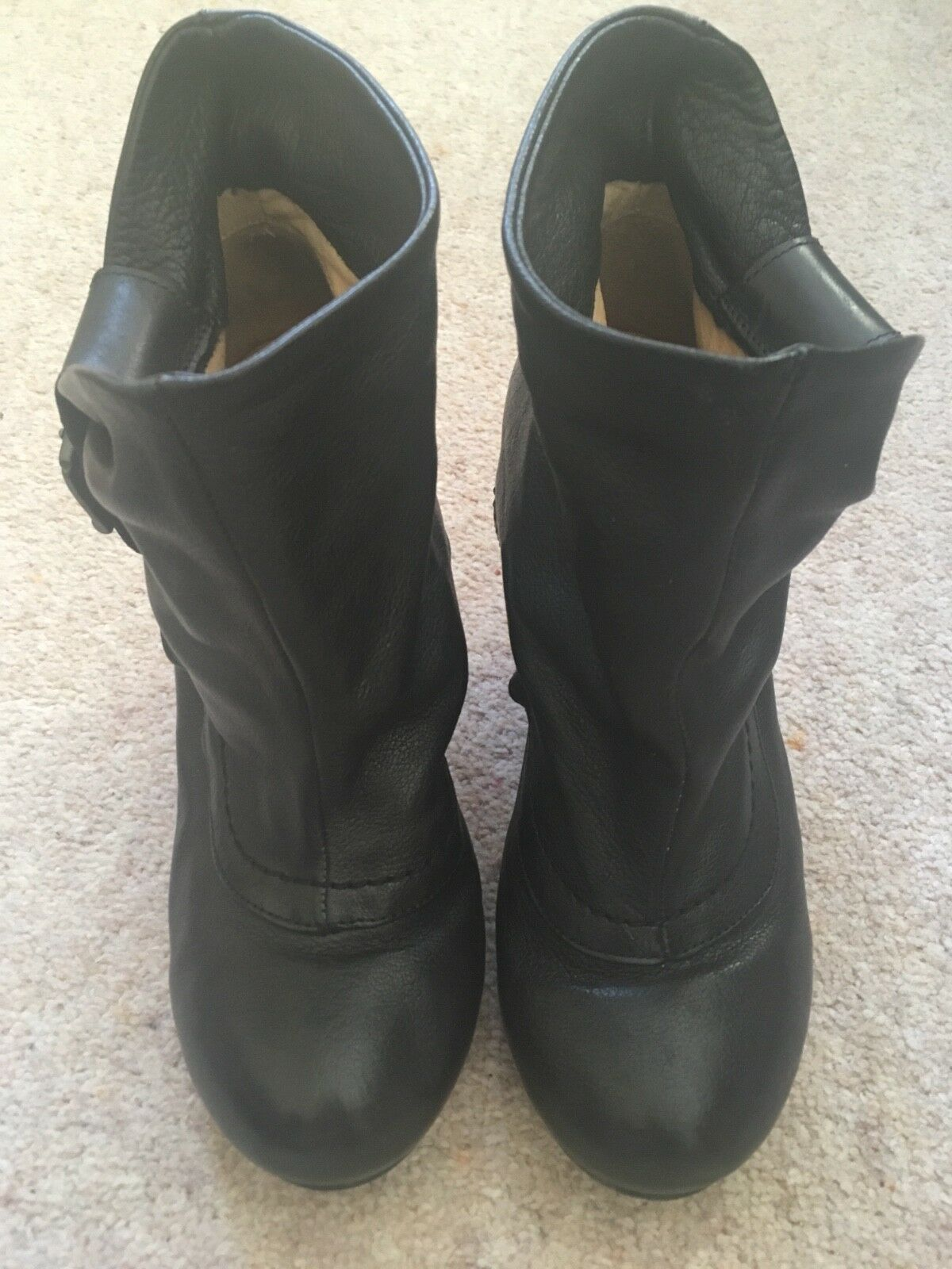 FLY LONDON BLACK LEATHER ANKLE BOOTS 4 (37)
