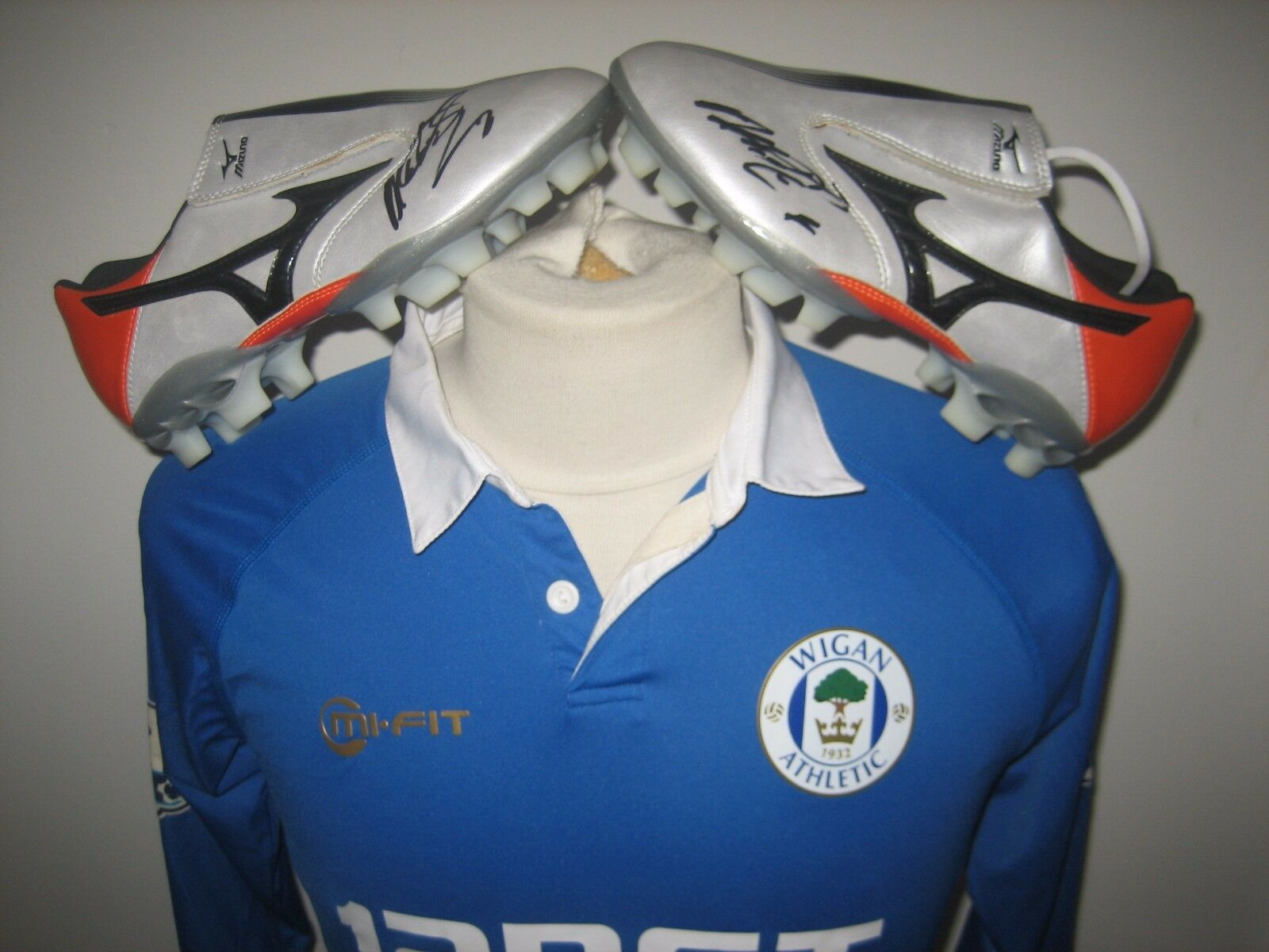 Wigan Athletic MATCH WORN and SIGNED football shirt + BOOTS soccer jersey size S
