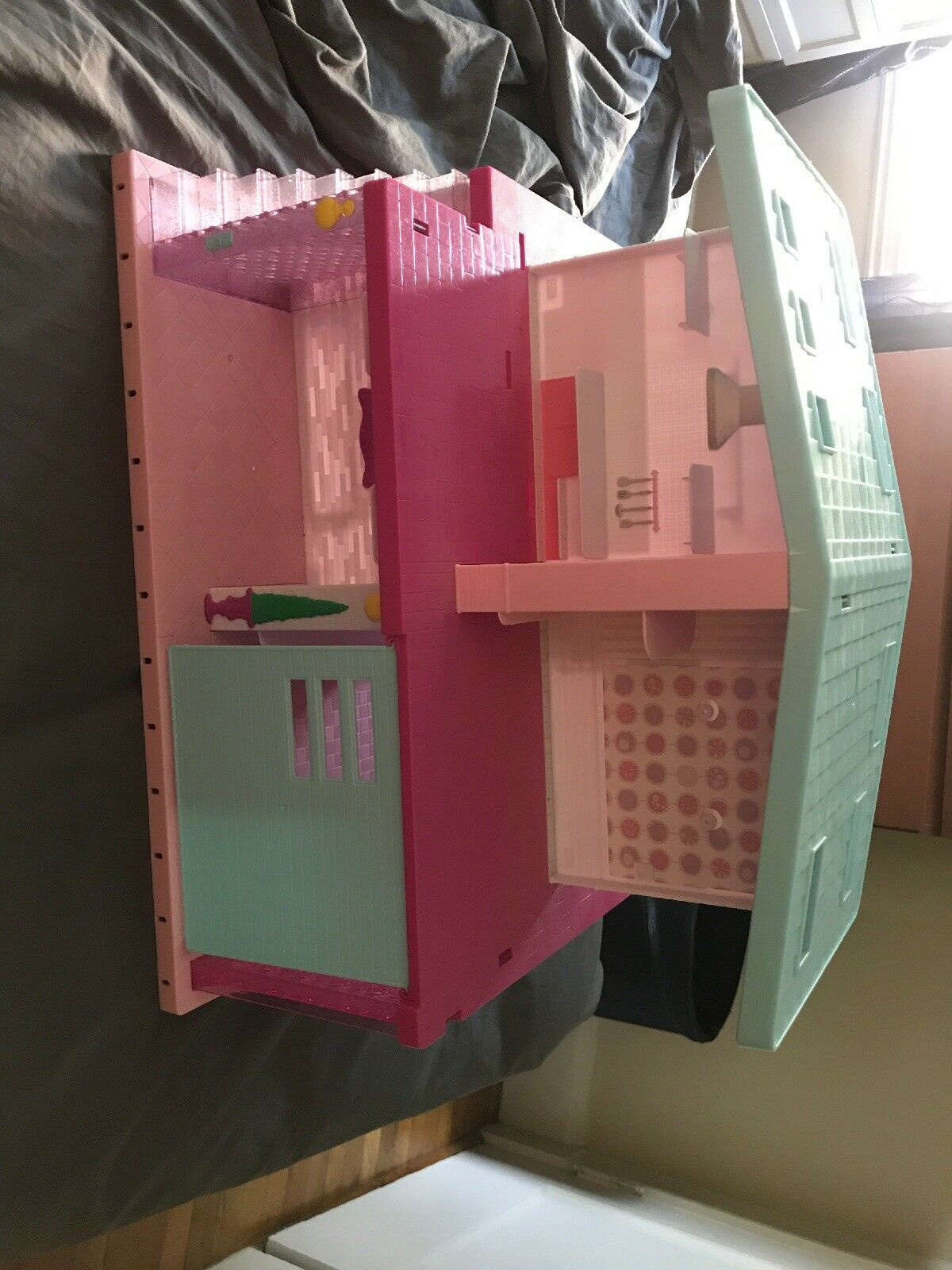 Shopkins Happy Places Grand Mansion Doll House Playset Petkins Actual pictures