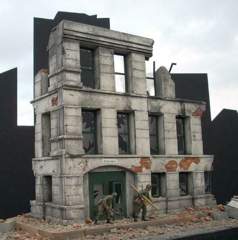 DIORAMAS PLUS DP2 1 35 Ruined 3-Story 3-Story 3-Story Brick Government Building Kit FREE SHIP 558