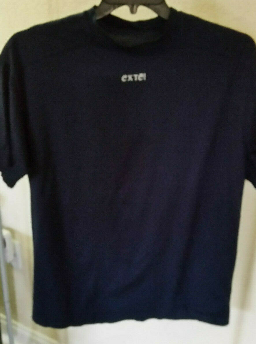 VINTAGE NEW EXTE JEANS ITALY MENS  T-SHIRT S SLEEVE Größe M Farbe NAVY